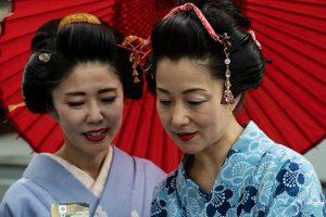 Geishe per le strade del Giappone