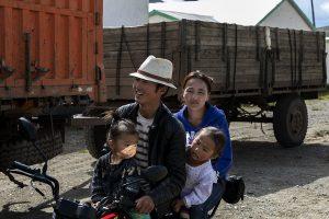 Pastori nomadi della steppa mongola