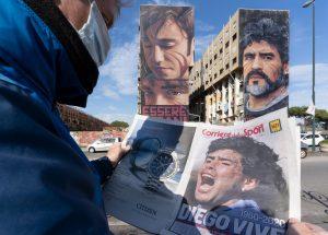 I napoletani piangono il loro re